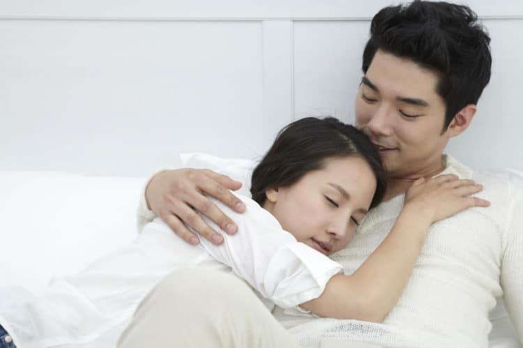 Quan hệ tình dục ít là nguyên nhân gây xuất tinh sớm