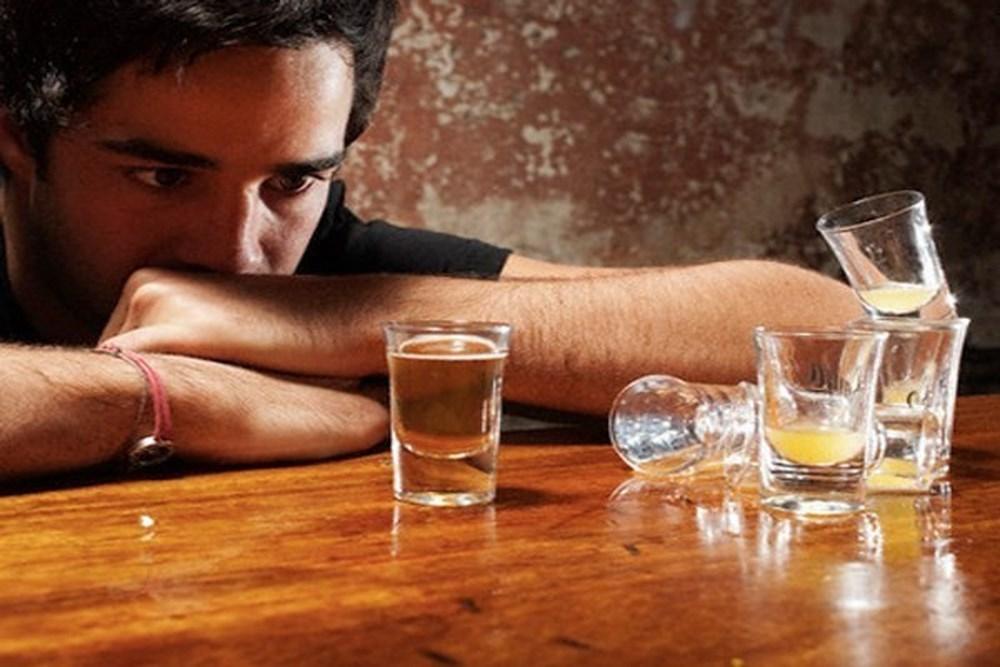 6 thói quen xấu gây yếu sinh lý ở đàn ông
