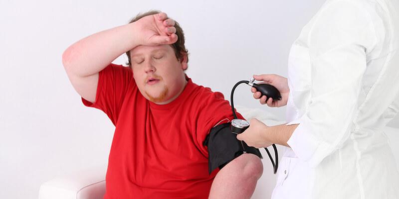 Thiếu hụt testosterone gây yếu sinh lý, cơ thể mệt mỏi trong người