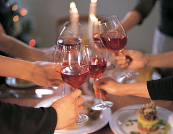 Lạm dụng rượu, bia cũng có thể dẫn đến tinh trùng loãng